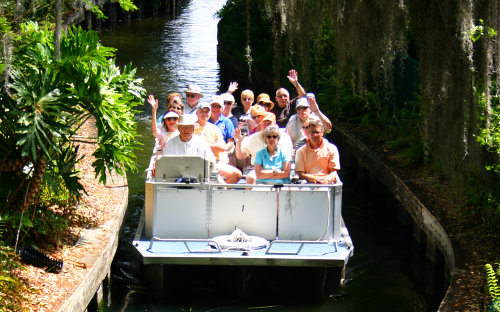 Scenic Boat Tour of Winter Park